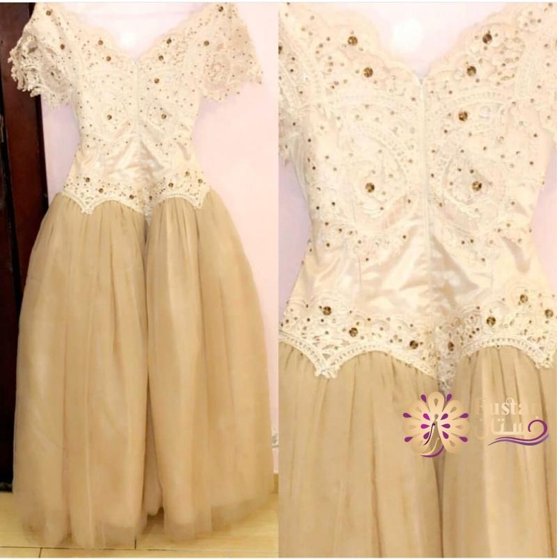للبيع فستان