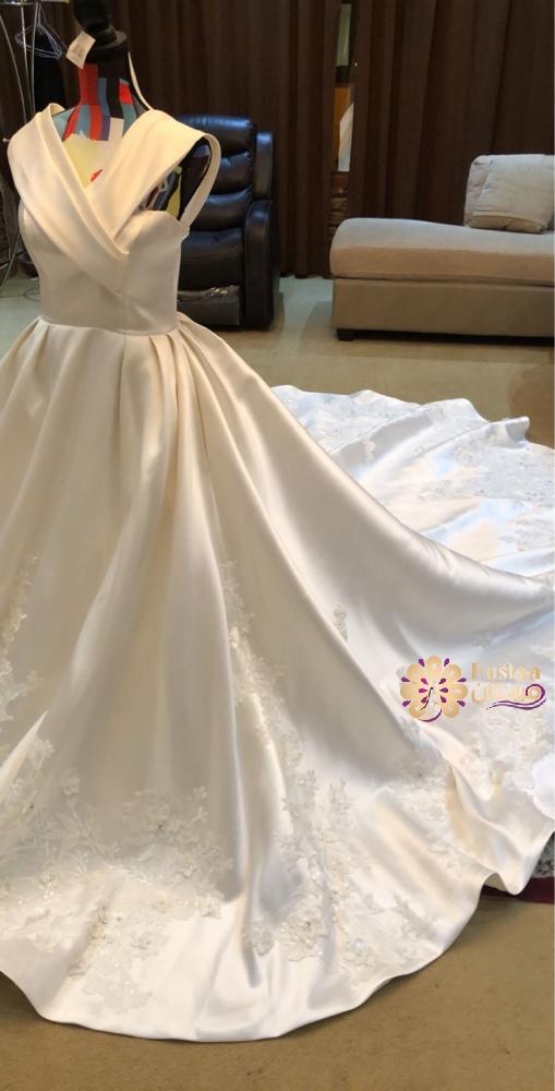 فستان عرس فخم من سويسرا