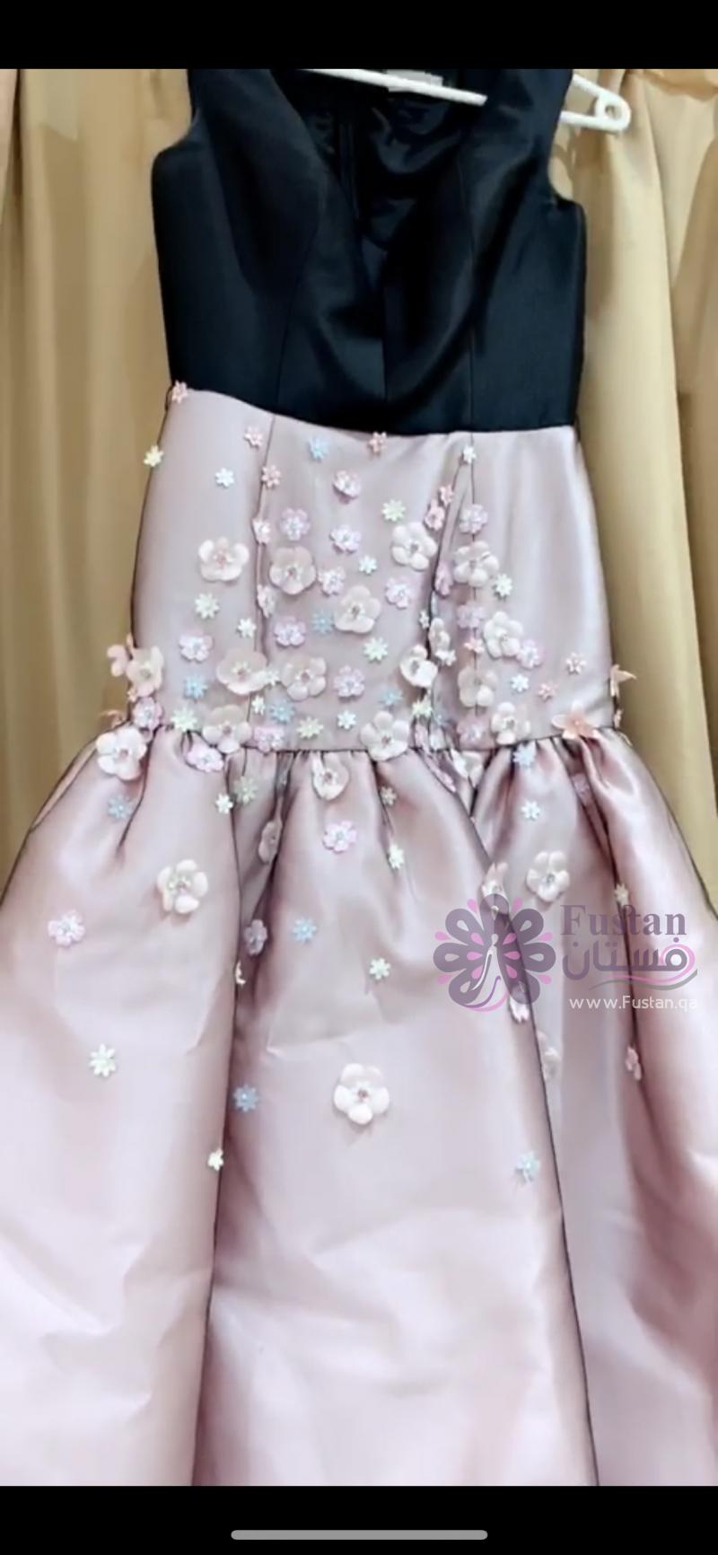 فستان ناعم وانيق