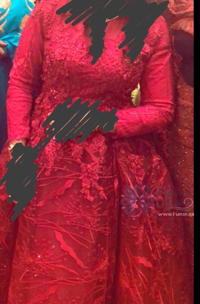فستان خطوبة او سهره فخم