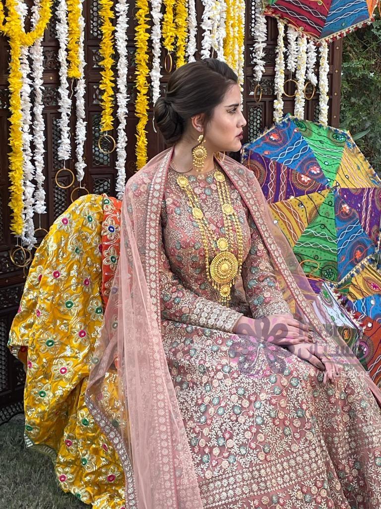 فستان حفل ليلة الحناء - عروس