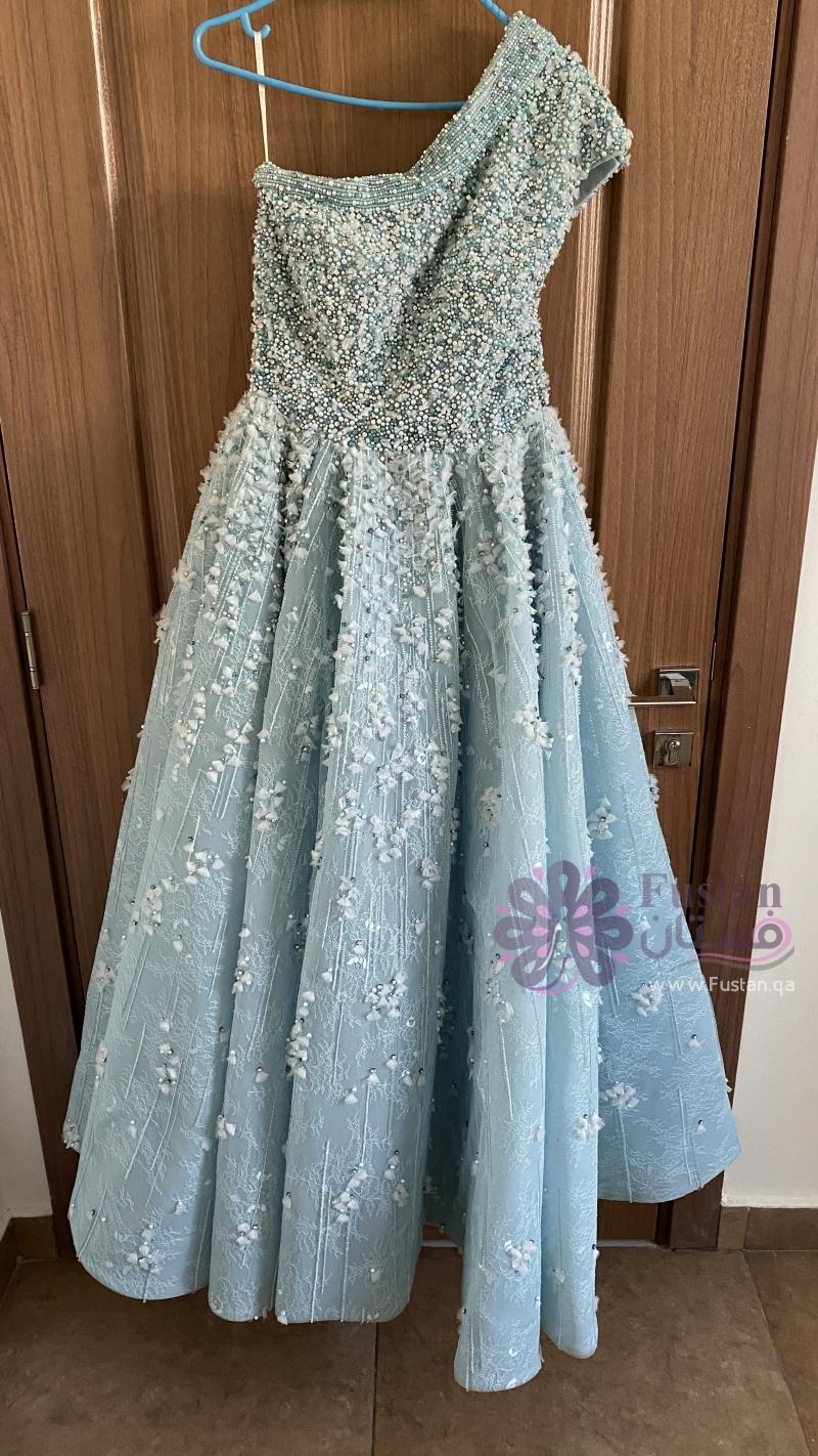 فستان للإيجار من تصميم المصمم saiid kobeisy