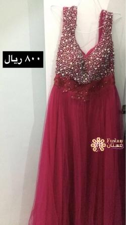 فستان للبيع