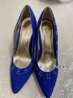 حذاء ازرق رائع