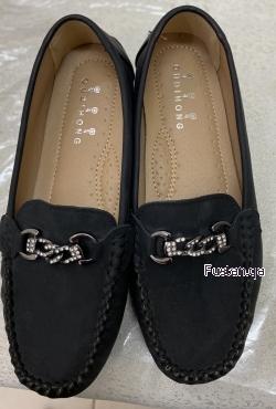 حذاء اسود جميل جدا