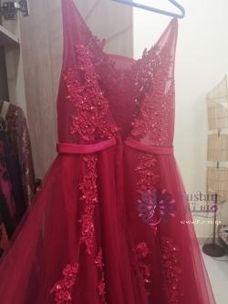فستان عنابي للبيع