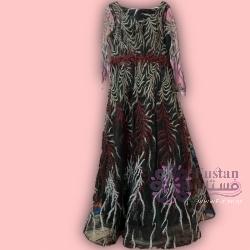 فستان مستعمل لمده ثلاث ساعات فقط للبيع