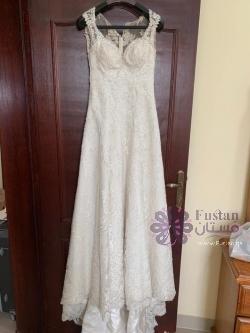White bridal wedding dress. فستان زفاف أبيض.