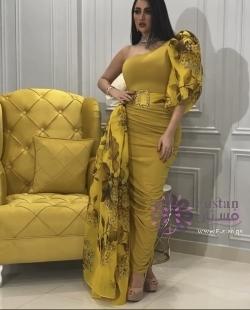 فستان حفلات من مصممه