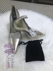حذاء للحفلات من تشارليز و كيت