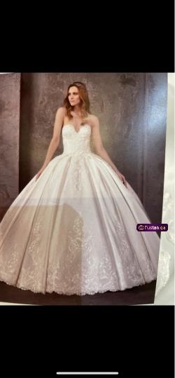 فستان عروس من محل برونيفاس